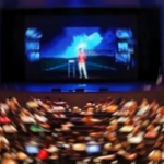 Prefieren sermones en vivo que en video según encuesta